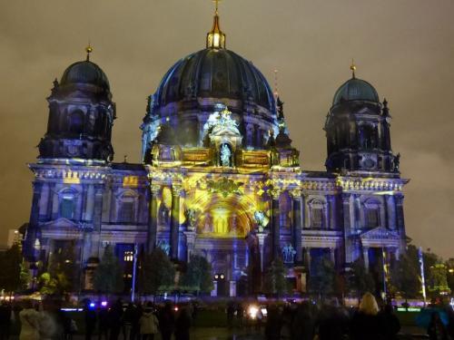 k-Berliner Dom beleuchtet beim Festival Of Lights (50)