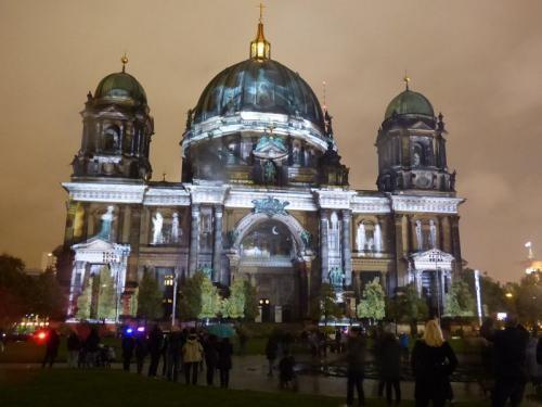 k-Berliner Dom beleuchtet beim Festival Of Lights (55)