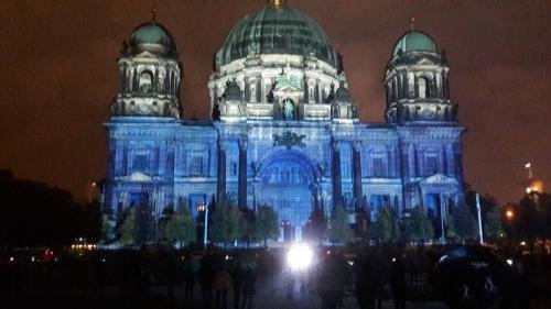 k-Berliner Dom beleuchtet beim Festival Of Lights (6)