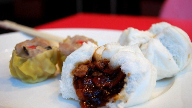 GUIDE TO EATING DIM SUM: KNOW YOUR FOOD BEFORE YOU ORDER
