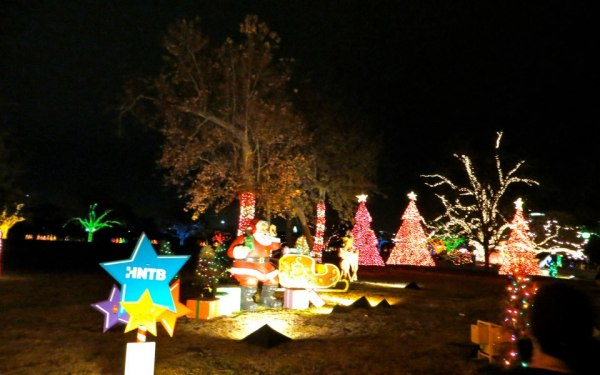 12 Of The Best Christmas Lights Display In Texas