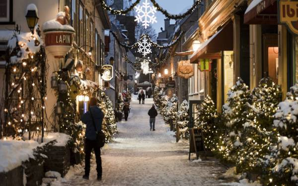 TOP 5 SPOTS IN NORTH AMERICA TO CELEBRATE THE MAGIC OF THE SEASON