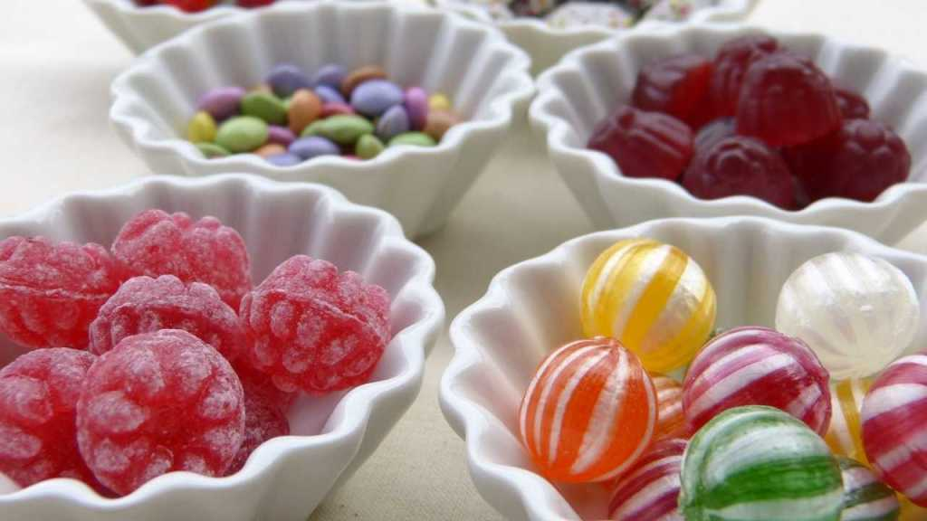 Food At Airport: Candies