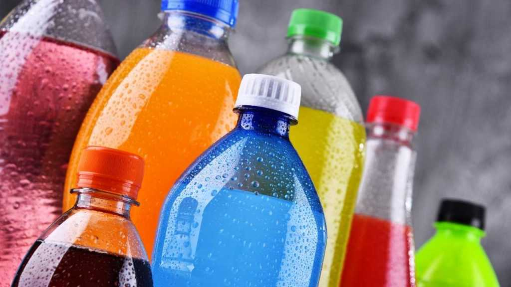 Sweetened drinks - foods You Should Never Give To Your Kids For Healthy Life