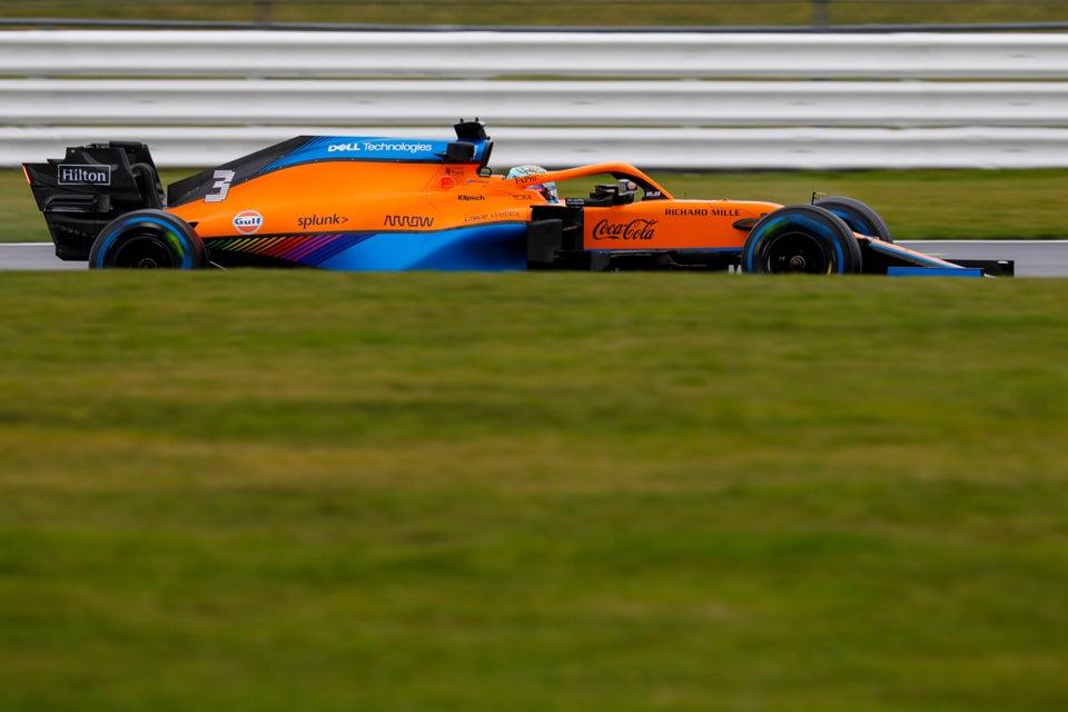 """Daniel Ricciardo: """"Ho i fianchi larghi, ho fatto fatica ad entrare nel cockpit."""""""