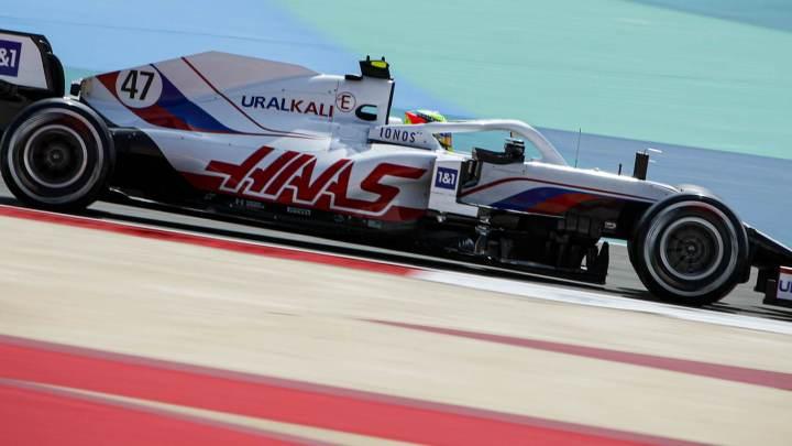 "Mick testa la nuova Haas VF-21: ""Sensazioni positive."""