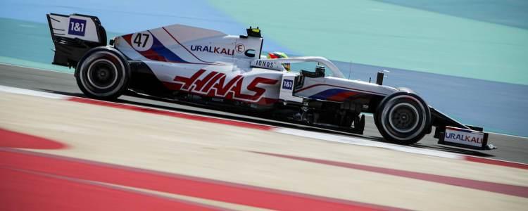 Schumacher a bordo della Haas VF-21