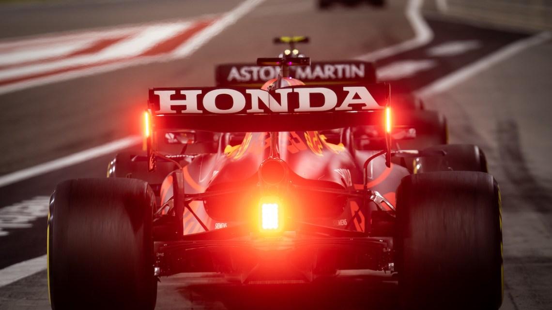 Qualifiche GP Bahrain: Verstappen conquista la pole, secondo Hamilton