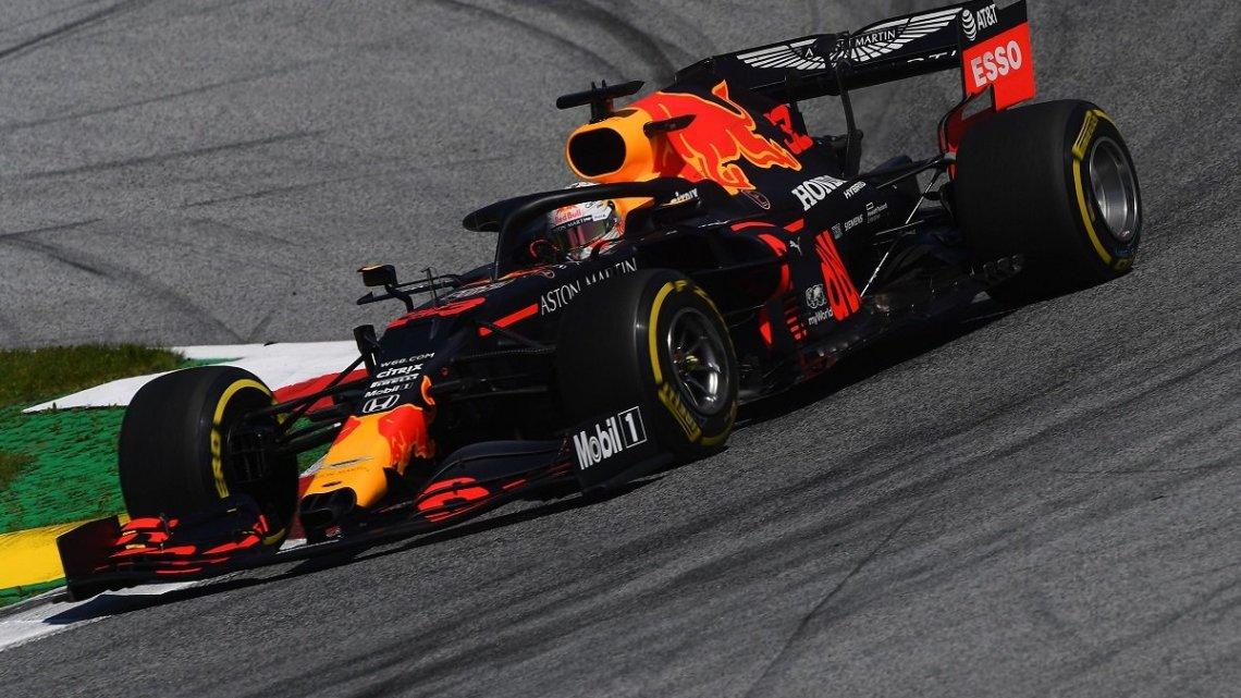 Ultima mattinata di test: Perez in vetta, Mercedes sugli scudi.