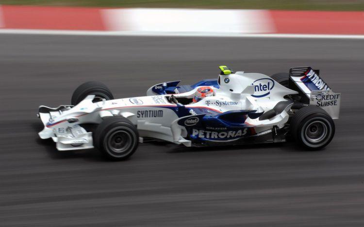 Robert kubica a bordo della propria BMW-Sauber F1.08