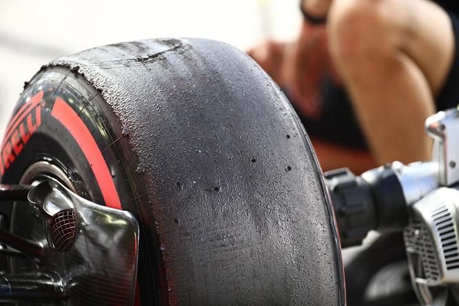 """Coulthard: """"Sono stufo di vedere i piloti evitare di spingere sulle gomme""""."""