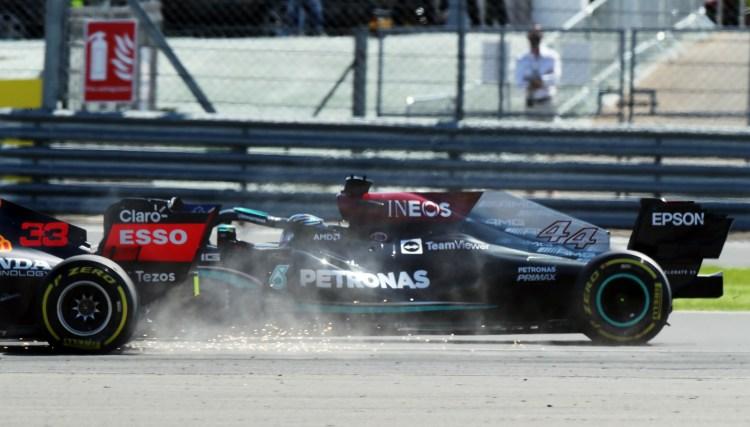 Contatto tra Hamilton e Verstappen