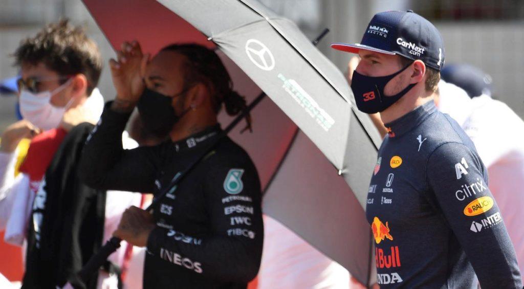 Contatto tra Hamilton e Verstappen: l'odio sui social rovina la Formula 1