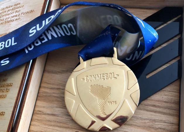 Medalha da Sul-Americana. Foto: Divulgação.