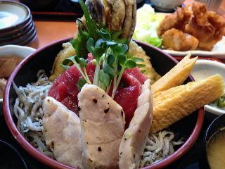 刺身と天ぷらの三浦丼