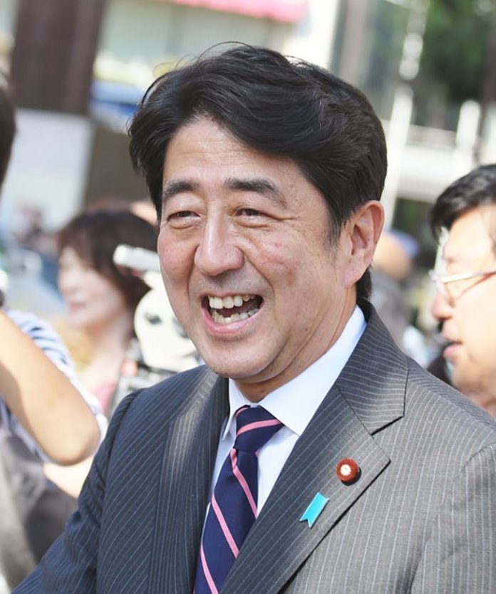 visuel abe 2 - Shinzo Abe est devenu le deuxième Premier Ministre avec le plus d'expérience de l'histoire du Japon