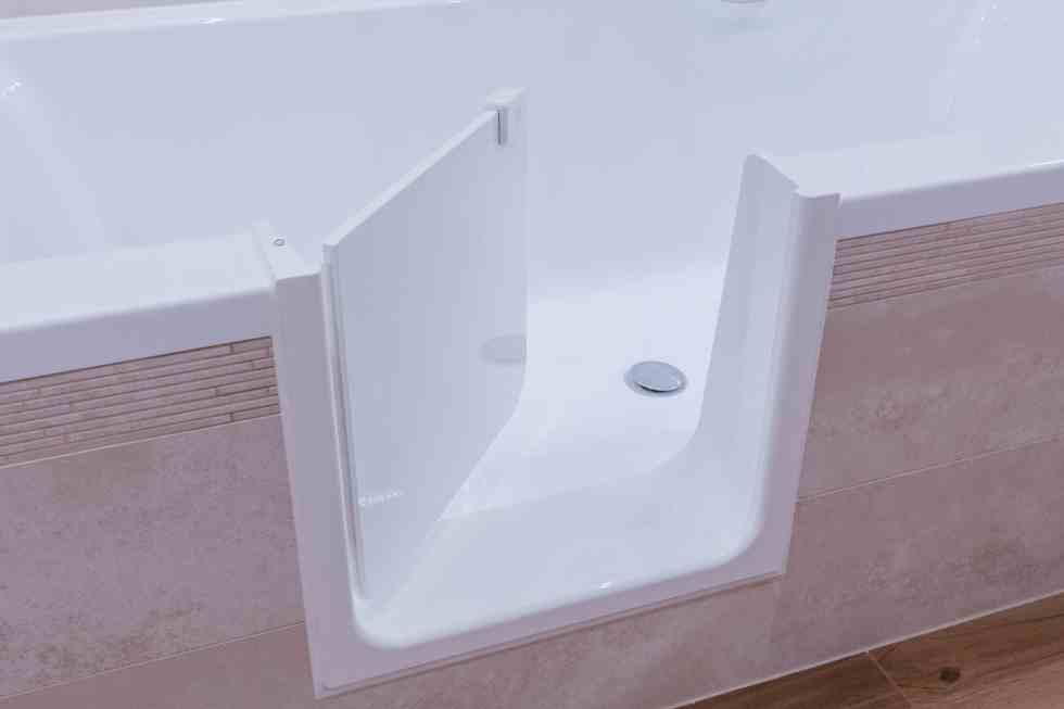 Az UDOOR Fürdőkádajtó