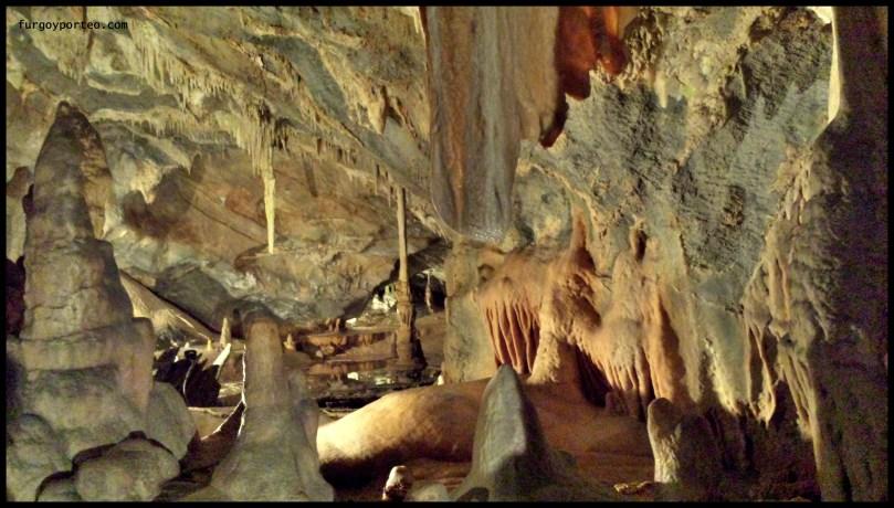 furgo-grotte-toirano