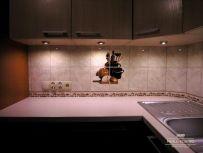Nowoczesne oświetlenie blatu kuchennego lampkami ledowymi