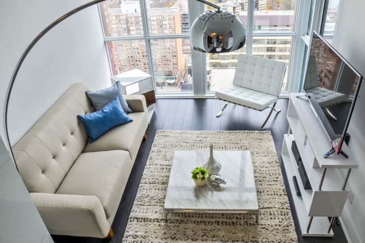 Yorkville_living_room_top_view