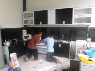 kitchen set 2 warna monokrom hitam putih furniture semarang