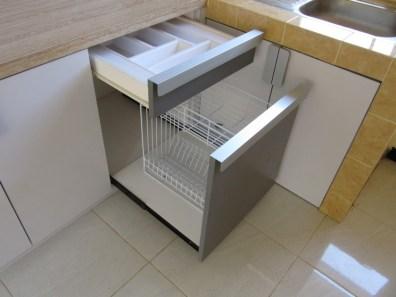 kitchen set bentuk l minimalis warna putih (5)