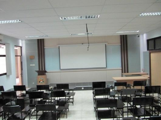 pesan furniture interior ruang kelas di semarang (1)