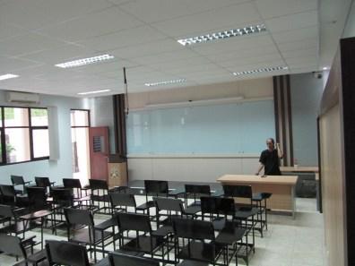 pesan furniture interior ruang kelas di semarang (13)