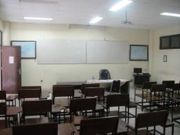 ruangan sebelum dimaintain (2)