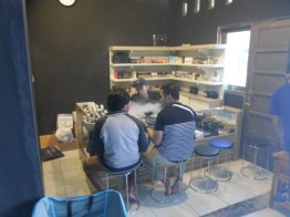 desain etalase interior toko vapour furniture semarang