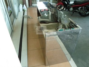 Etalase Stainless Steel dan Meja Stainless Steel - Furniture Semarang