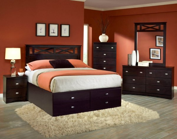 Tyler 5 pc Set with Queen Storage Bed | Bedroom Sets