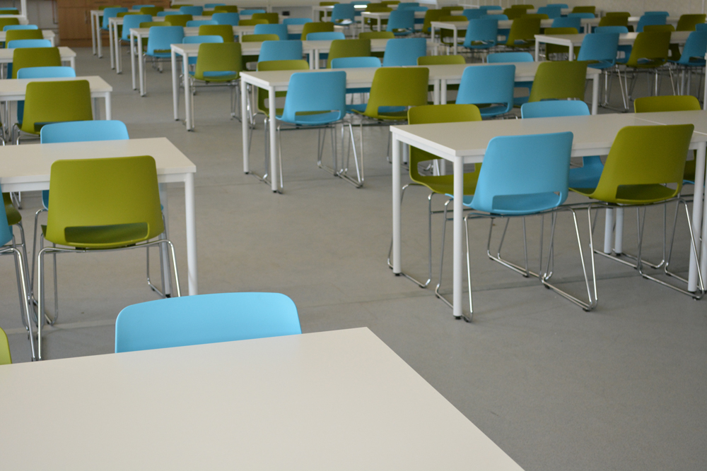 lendlease-construction-canteen-tables-chairs
