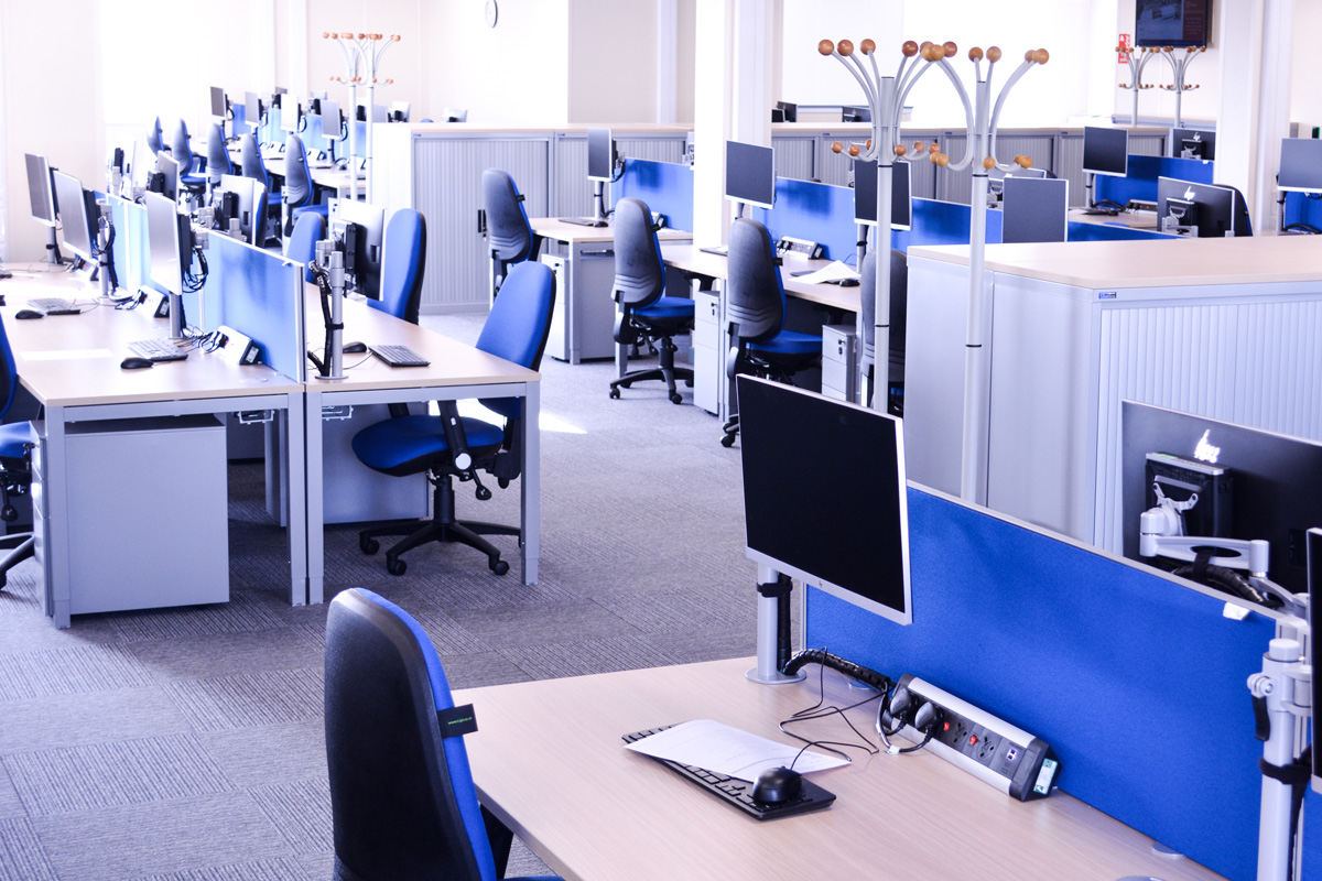 desks-workstations-construction-offices-modular-site-accommodation