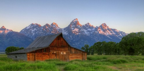 Mormon Row Barn HDRa med WM