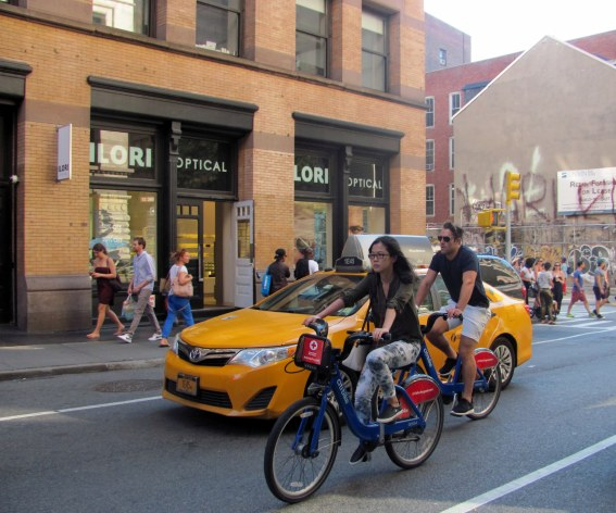 Turistas en bici SOHO NY