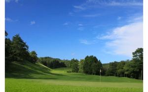 箕面ゴルフ プレー券(1名分)(土日祝日限定)