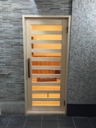 檜ドア 浴室