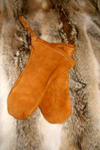 moose hide mitts