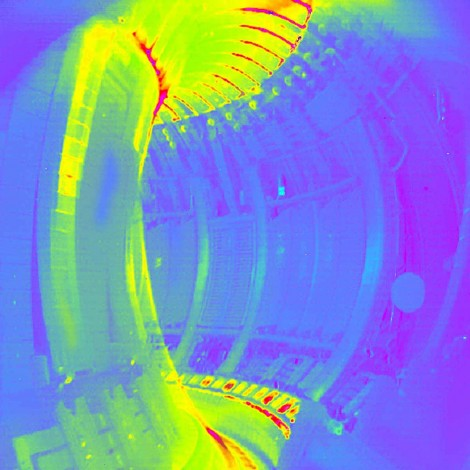 Infrared camera view of plasma inside JET, indicating heat loads on the wall materials