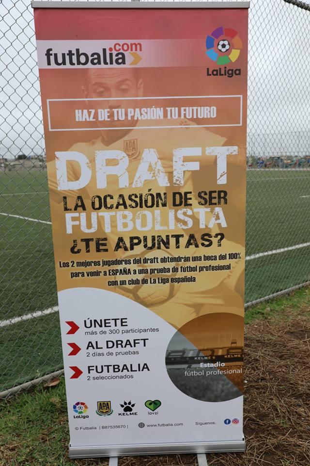 cartel draft futbalia en Ecuador. La ocasión de ser futbolista ¿Te apuntas?