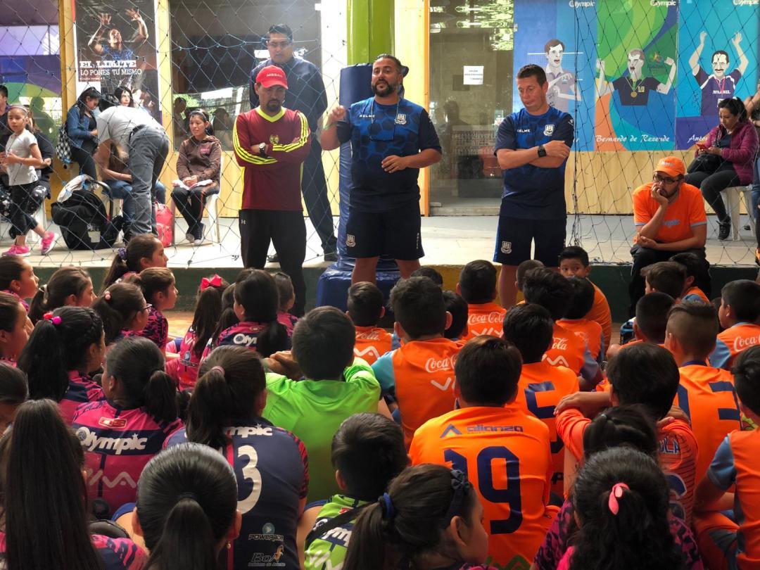 charla inicial visorías fútbol bolivia