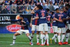 PSG resucita en Angers