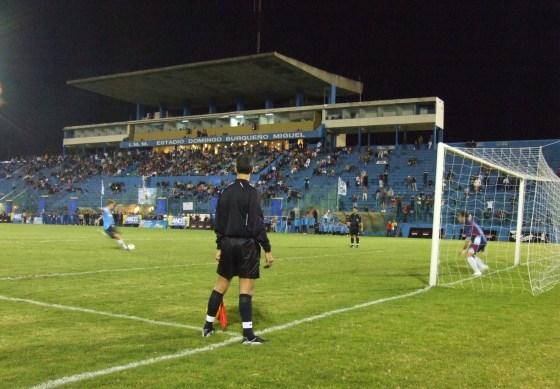 El Estadio Burgueño será escenario de otro choque clásico. Foto Maldonado.gub