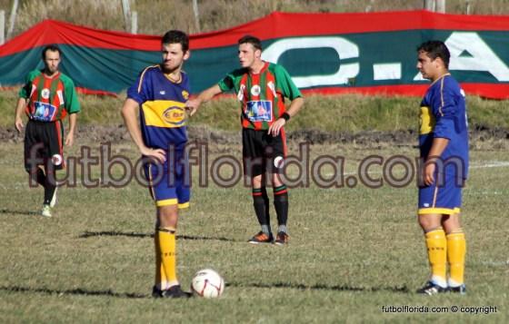 Diego Cappelli mueve por primera vez la pelota en cancha de Boquita