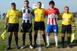 De los Santos, asistentes y capitanes