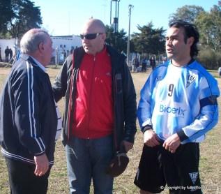 El saludo. Mansulino, Pérez y Cabello