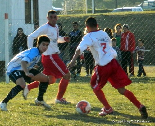 Tristant espera a -Cabrera que avanza con pelota