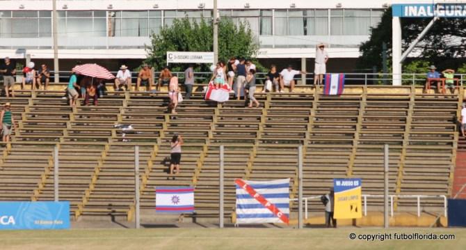 El Estadio Artigas jugando de tarde y con temperaturas de 40°