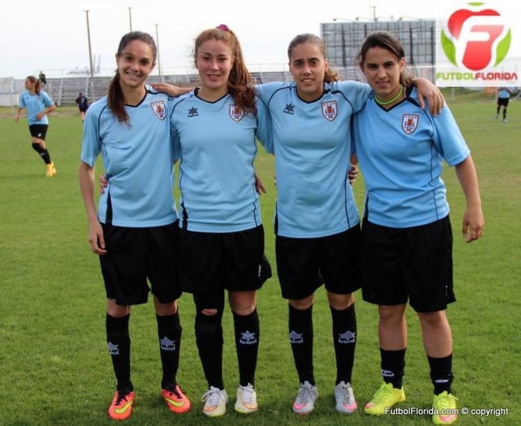 Las chicas OFI en la celeste: Romina Alanis, Stephanie Tregartten, Sofía Gamio y An. Laura Millán. Foto Fanny Ruétalo